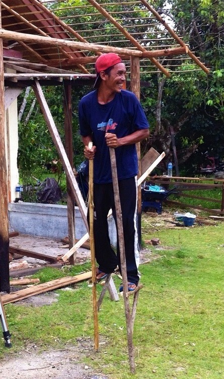 When not working on infrastructure, lead carpenter Bapak Hari will make natural indigenous toys from local materials.